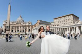 A romantic wedding in the heart of Vatican city